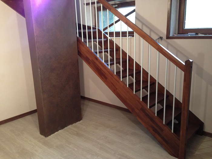 New realization of the self-supporting wooden staircase
